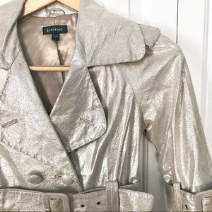 🥂Bebe Champagne Metallic Leather Cropped Trench S